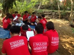 Làm Thế Nào Giúp Bạn Chấm Dứt Bệnh Sợ Giao Tiếp Tiếng Anh Với Người Nước Ngoài Và Tận Hưởng Chuyến Luyện Tiếng Anh Giao Tiếp Thực Tế Tại  Thác Giang Điền?